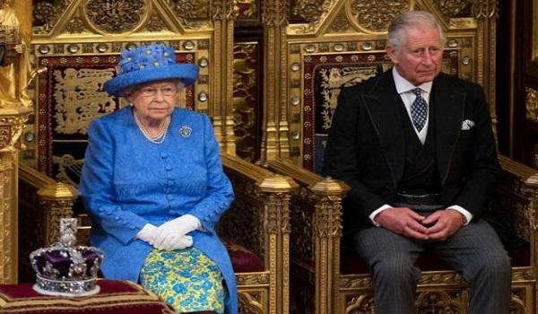 Βρετανία: Βγήκε από την καραντίνα ο πρίγκιπας Κάρολος - Αγωνία για τη βασίλισσα